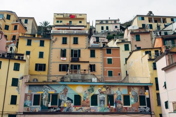 A mural in Riomaggiore.