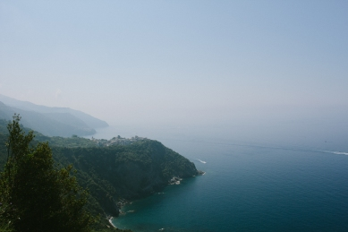 A view of Manarola. It was touch hazy.
