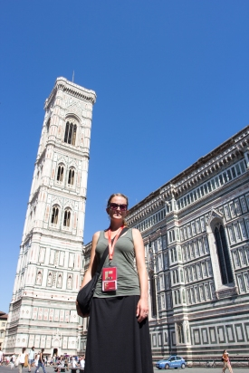 Caitlin in front of Il Duomo with her Firenze pass on getting ready to geek out for the day.